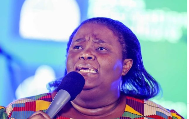 """Hlengiwe Mhlaba Hits Back At Death Claims: """"I'm Not Dead"""""""